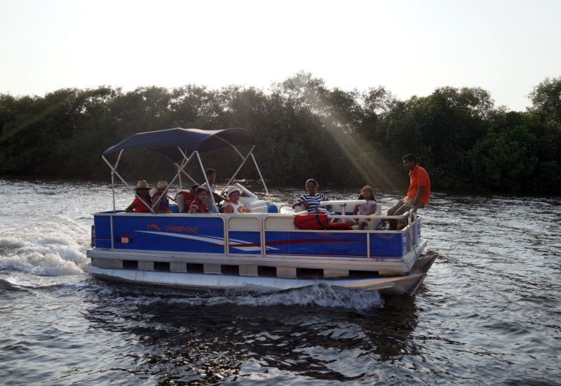 Catamaran Pontoon Cruiser Goa - Funkey Event