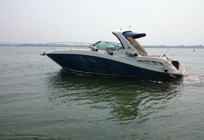 Hire Cabin Cruiser SEA RAY SUNDANCER Goa - Funkey Event