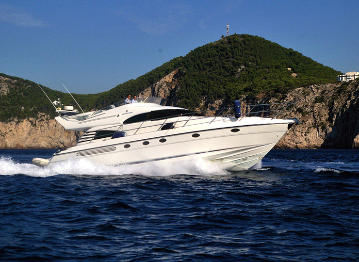 Hire Motor Fairline Squadron Yachts in Goa - Funkey Event